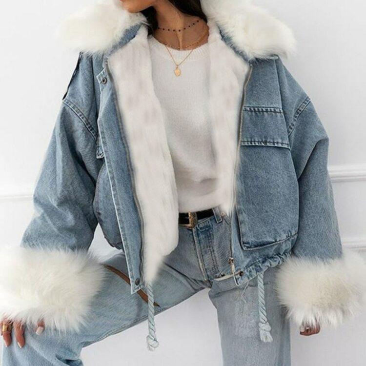 Niebieska kurtka jeansowa z białym futerkiem damska 1