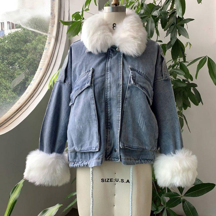 Niebieska kurtka jeansowa z białym futerkiem damska 2