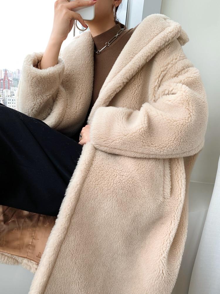Obszerny kremowy płaszcz wełniany zimowy z wełny z alpaki 1