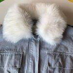 Różowa kurtka jeansowa z białym futerkiem damska 1
