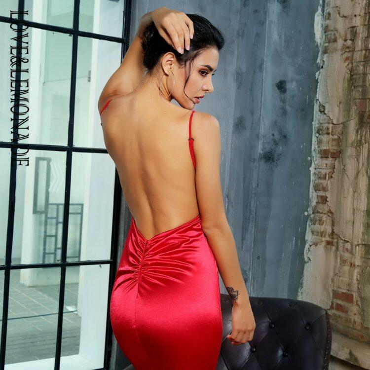 Satynowa sukienka wieczorowa długa malinowa odkryte plecy 1