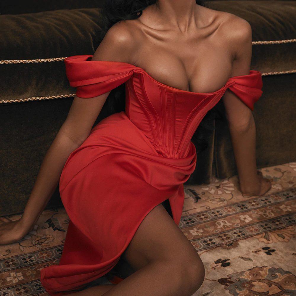 Czerwona sukienka stylizacje na wesele