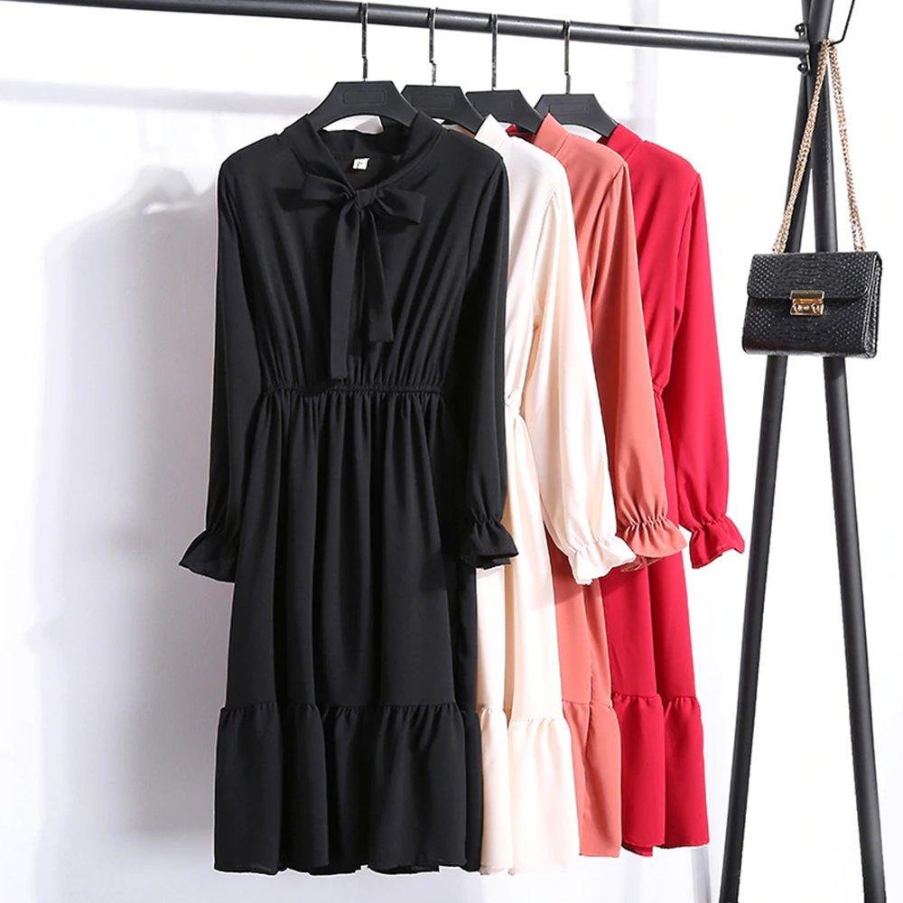 Jakie dodatki do czerwonej sukienki ? 1