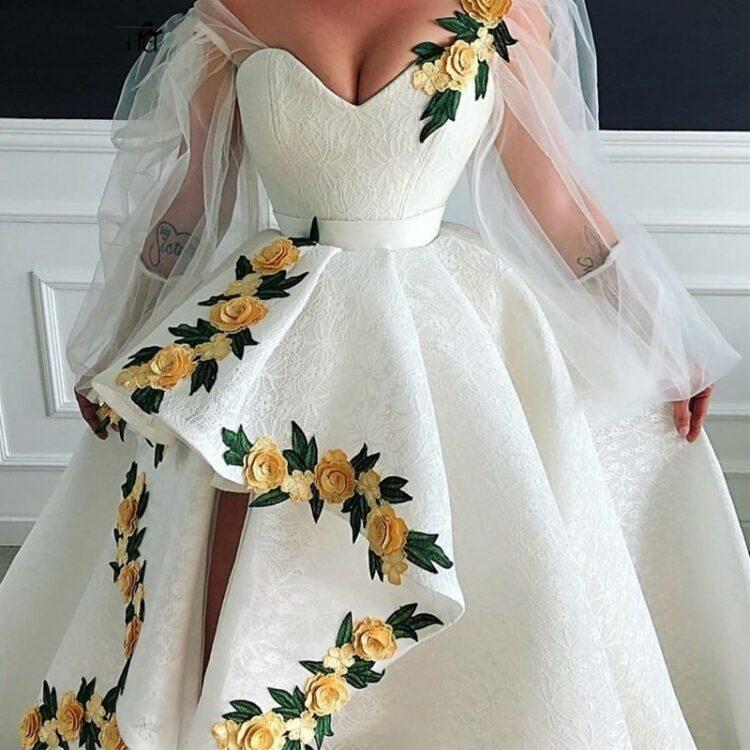 Kremowa suknia ślubna długi rękaw z haftem 2