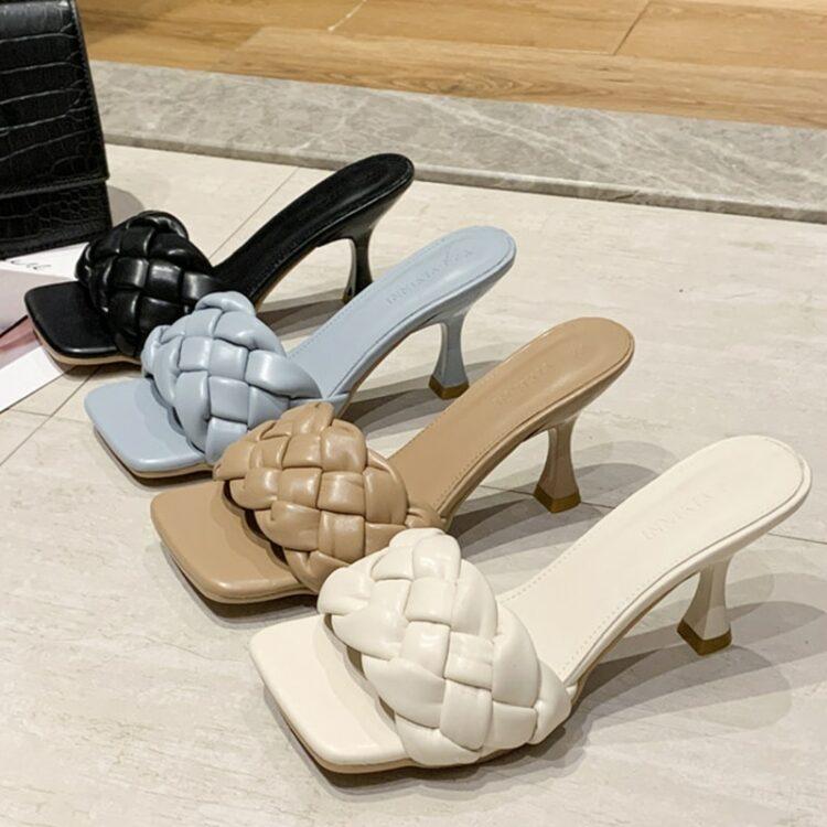Kremowe plecione klapki na szpilce pikowane buty 1