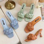Niebieskie klapki plecione na szpilce pikowane buty 2