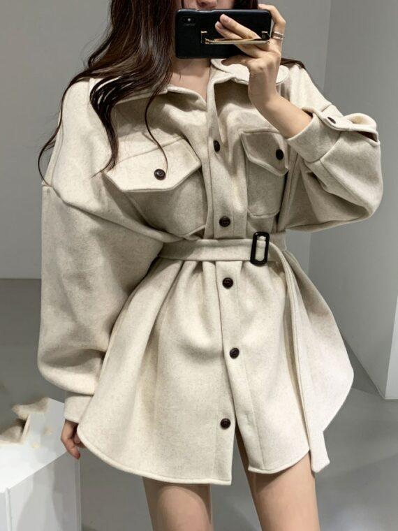 Beżowa kurtka koszulowa damska z paskiem