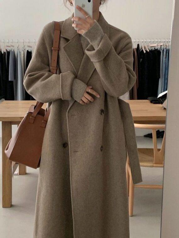 Brązowy płaszcz damski wełniany długi dwurzędowy
