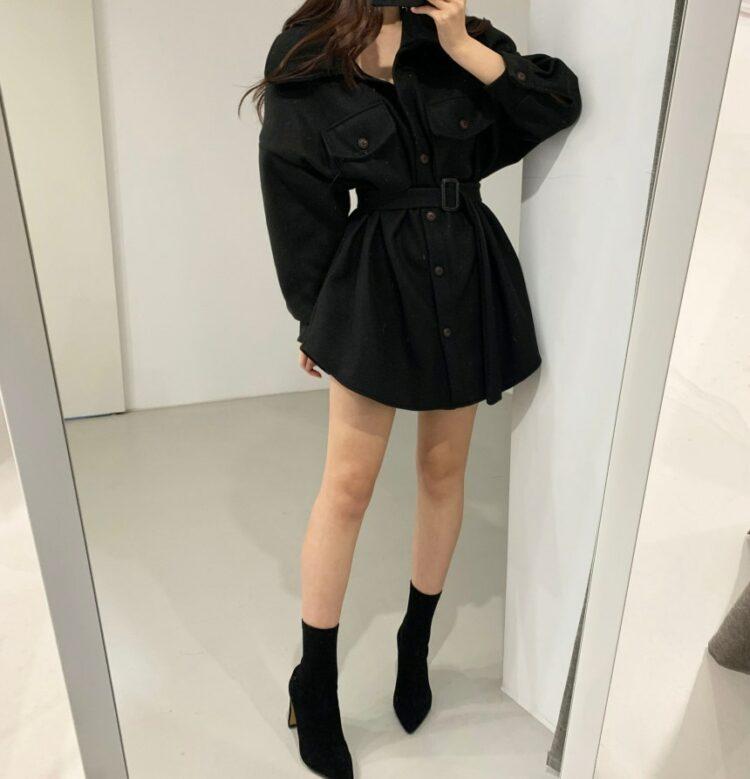Czarna kurtka koszulowa damska z paskiem 1