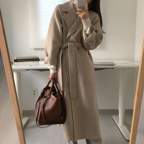 Długi płaszcz karmelowy damski wełniany z paskiem 1