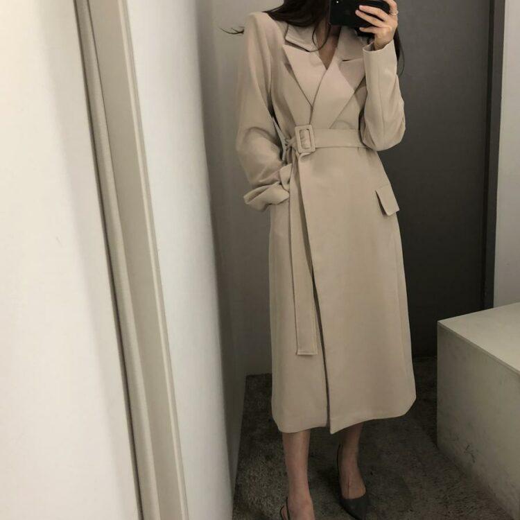 Klasyczny płaszcz wełniany damski beżowy z paskiem 1