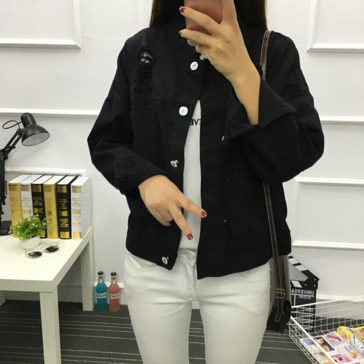 Kurtka jeansowa damska czarna o luźnym kroju 1