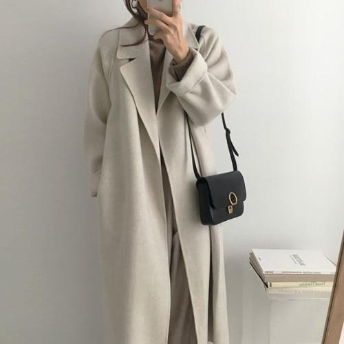 Popielaty długi wełniany płaszcz damski z paskiem 1