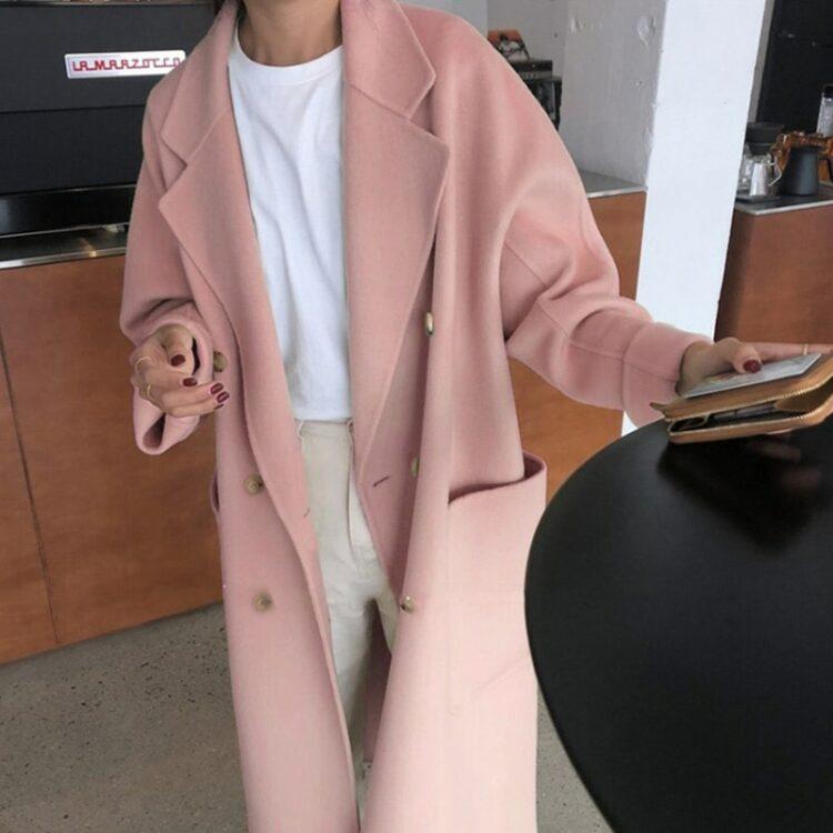 Różowy płaszcz damski zimowy wełniany w stylu oversize