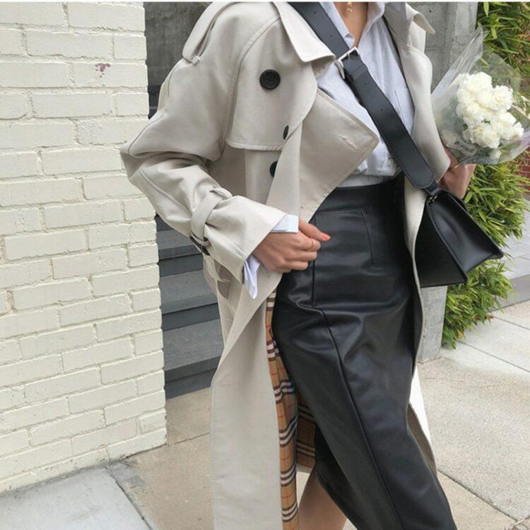 Szary oversizowy płaszcz trencz prochowiec pasek